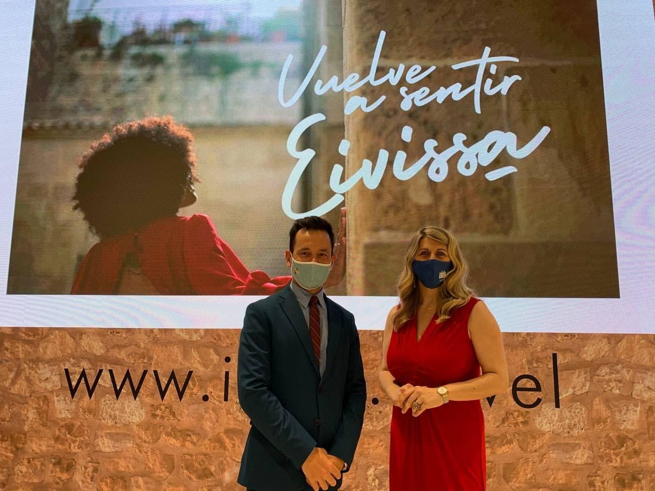 Rafa Ruiz alcalde de Ibiza y Dessiré Ruiz concejala de Turismo.